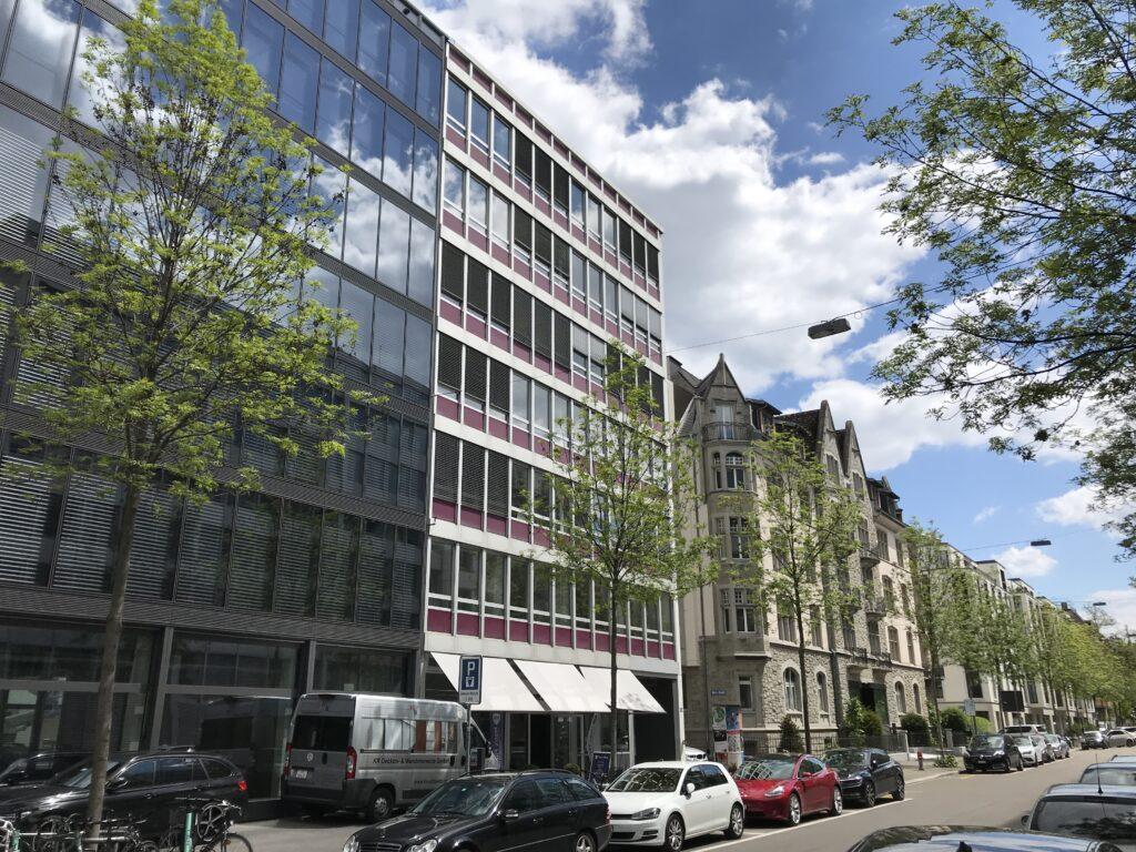 Geschäftshaus an der Dufourstrasse in Zürich