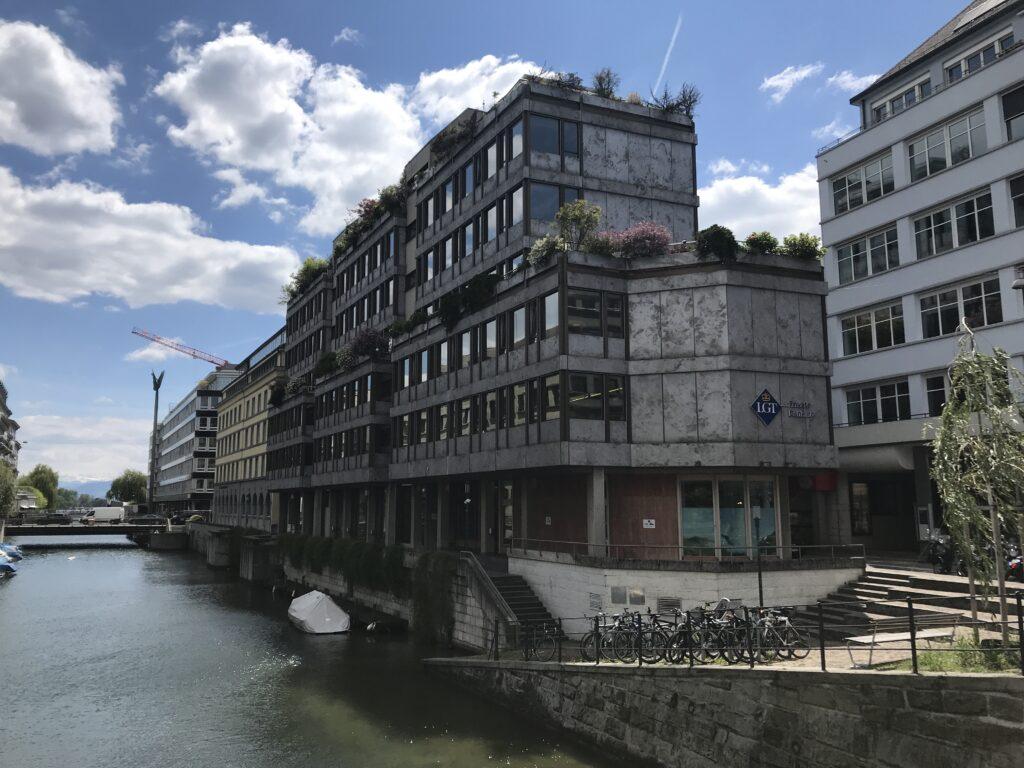 Geschäftshaus an der Glärnischstrasse in Zürich