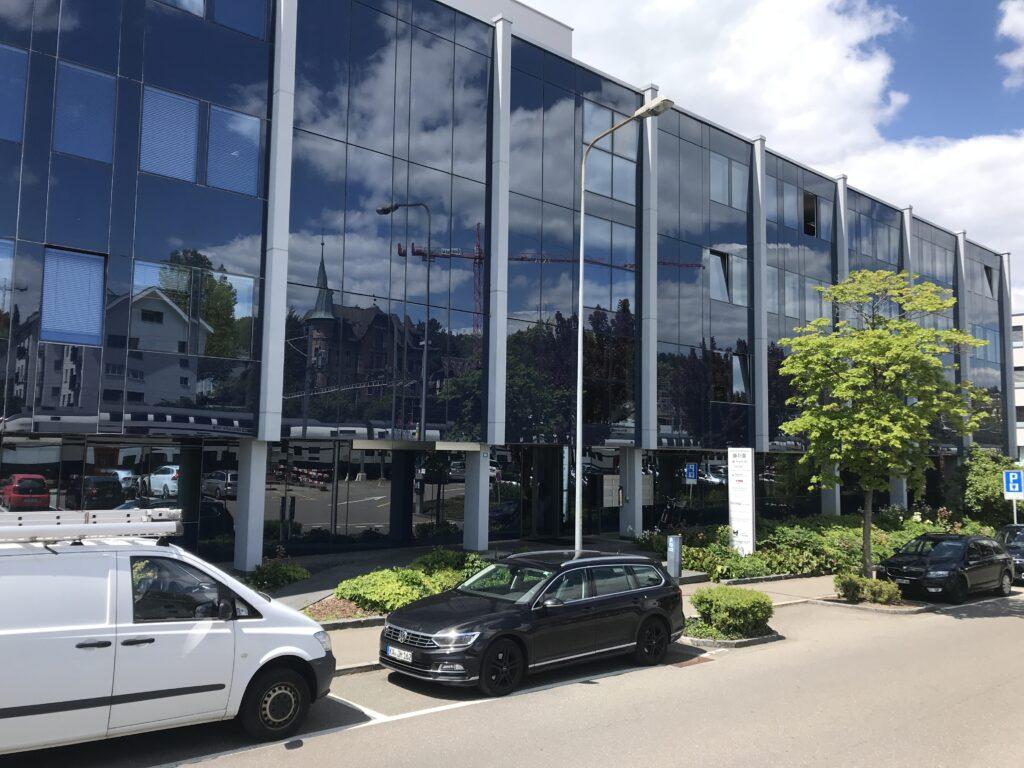 Geschäftshaus an der Kohlrainstrasse in Küsnacht